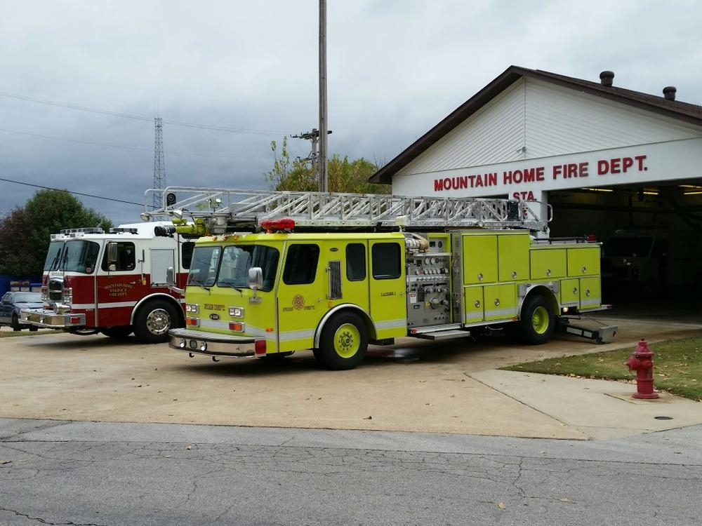 Mtn. Home Ladder Firetruck (Quint) - 1993 E-ONE
